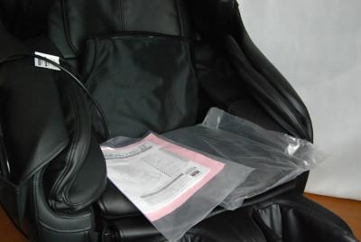 説明書、保証書、工具、カバーなどの付属品